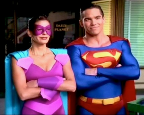 Superman-Ultrawoman-2-lois-and-clark-31411135-584-467